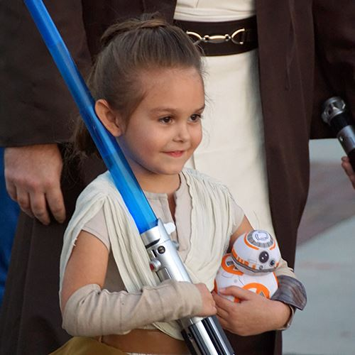 Girl in Star Wars costume